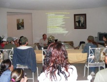 Eduardo  Gomez presenting a workshop on Sonoran birds at Rancho El Aribabi - Carlos  R. Elias